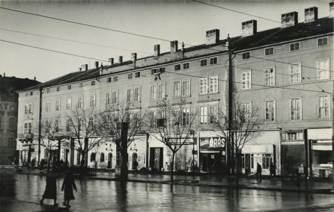 A szegedi Széchenyi tér 9. irodaháza