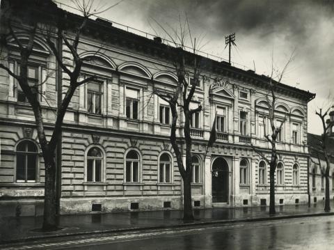 Az egykori Sztálin körút (ma Tisza Lajos körút) 14. számú lakóház