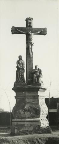Szeged, Vadkerti tér, kőfeszület