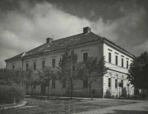 A békési Petőfi Sándor utcai kollégium épülete