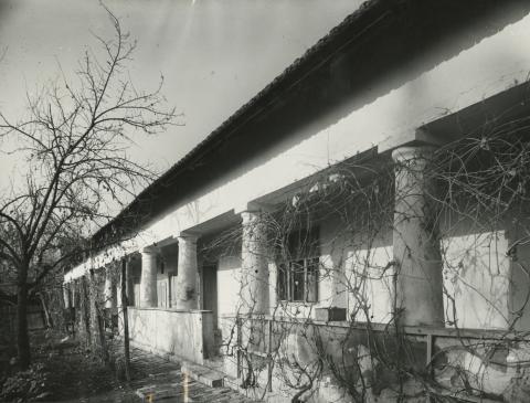 A békési Petőfi Sándor utca 40. szám alatti lakóház tornáca
