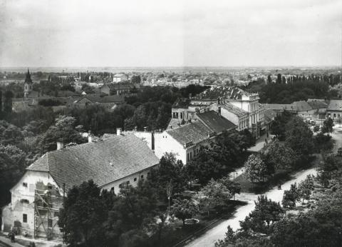 A békési Széchenyi tér látképe