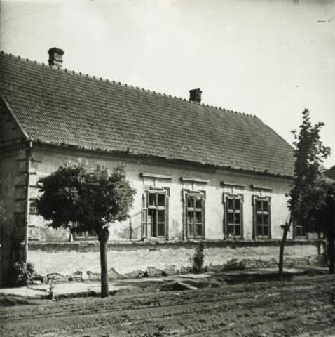 Balatonboglár, Erzsébet királyné u. 17-19.