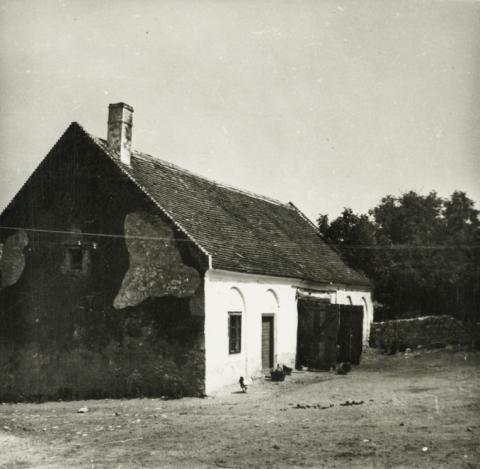 Balatonederics, Kossuth u. 72., istálló