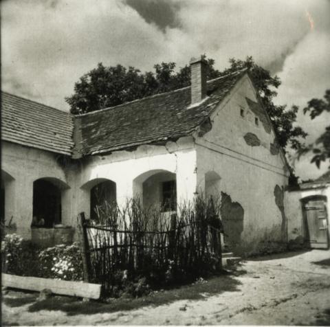 Balatonkenese, Fő u. 32.