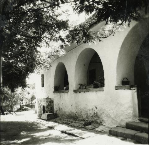 Balatonkenese, Fő u. 36.
