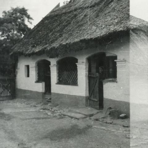 Balatonkenese, Ságvári u. 2.