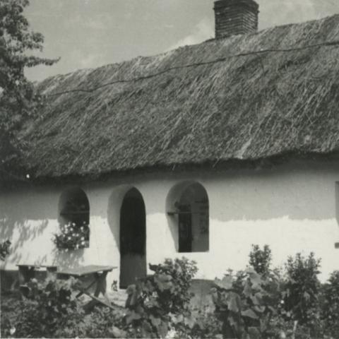 Balatonkenese, Ságvári u. 10.
