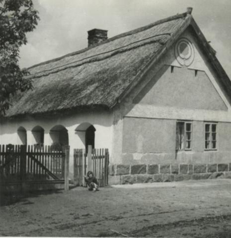 Balatonkenese, Somogyi B. u. 8.