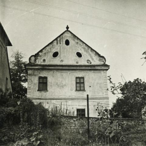 Vörösberény, jezsuita rendház