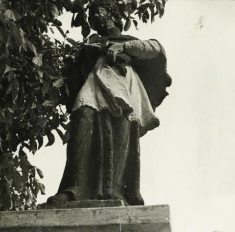Vörösberény, Nepomuki Szent János-szobor