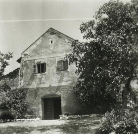Badacsonylábdihegy, épület