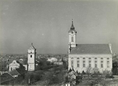 A békéscsabai Kossuth tér látképe