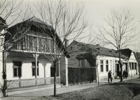A békéscsabai Baross utca 13-15. szám alatti lakóház