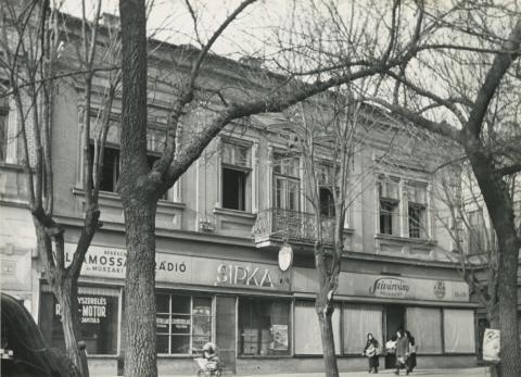 A békéscsabai Szent István tér 8. alatti lakóház