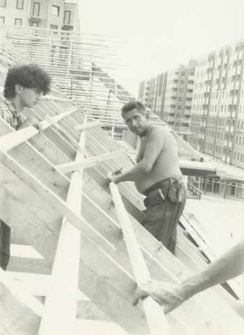 A 43. sz. ÁÉV munkatársai a Békásmegyer, 642. jelű épület építésénél